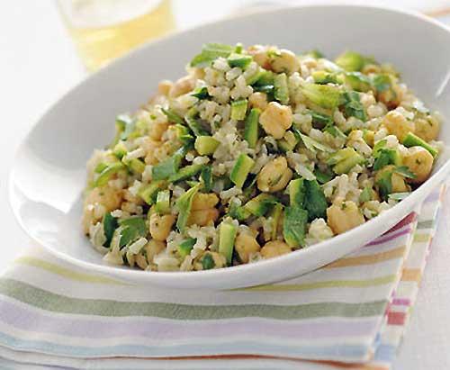 Insalata di riso con zucchine e ceci