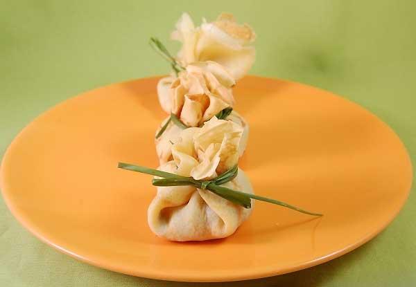 Crêpes salate con salsiccia e funghi
