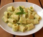 Rigatoni al pesto di zucchine